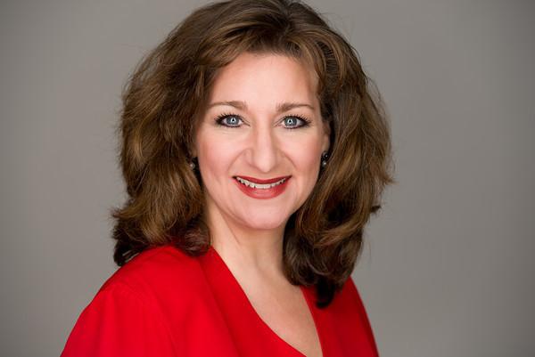 Jacqueline Lucci Smith